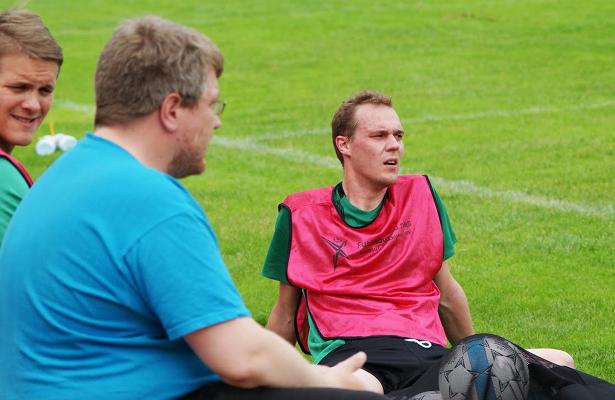 Kovat minuutit näkyivät ottelun lopussa vaihtoon tulleen puheenjohtaja Heikki Wilenin kasvoilla