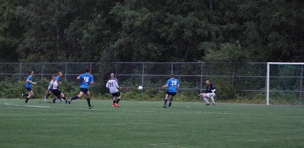 FC Rellun Mikko Santala ampuu ottelun ratkaisumaalin
