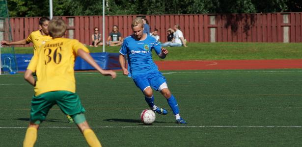 Ville Toiva pelasi toisen ottelunsa keskikentän keskustassa