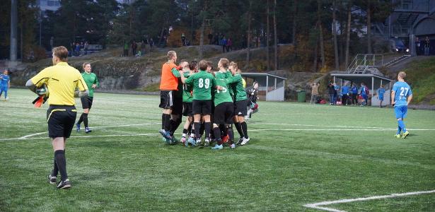 FC Rauma juhlii nousuaan Kolmoseen