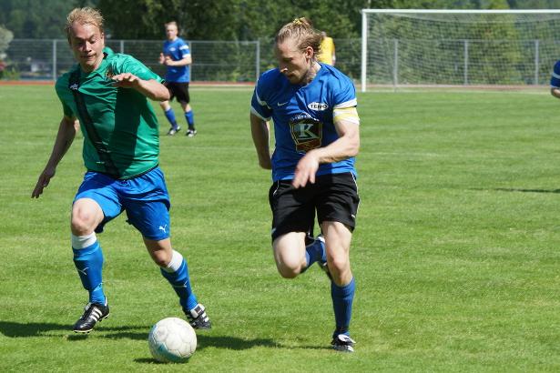 Jukka Ihalainen pelasi keskikentän keskustassa puolustavassa roolissa