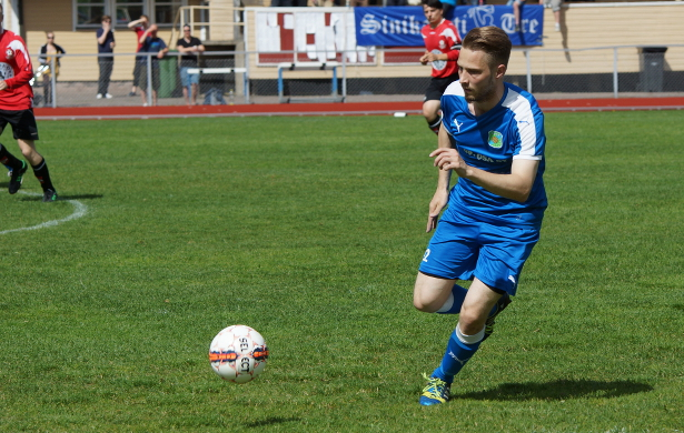 Markus Halme antaa 0–2-maaliin johtaneen keskityksen