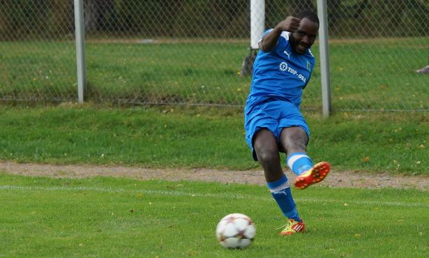 Jonathan Makueno keskittää